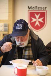 In Der Malteser Suppenküche Steht Jede Woche Dienstags Bis Donnerstags  Pünktlich Um 12.30 Uhr Eine Mit Liebe Gekochte Mahlzeit Für Die Bedürftigen  Bereit.